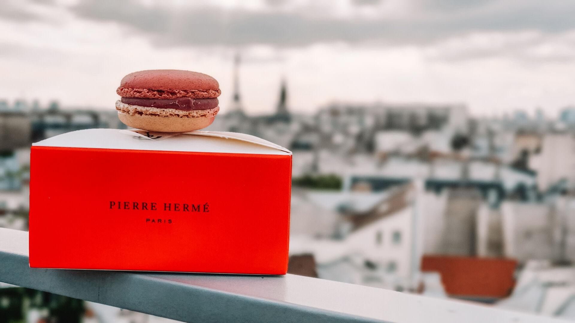 Pierre Herme Paris Macarons box